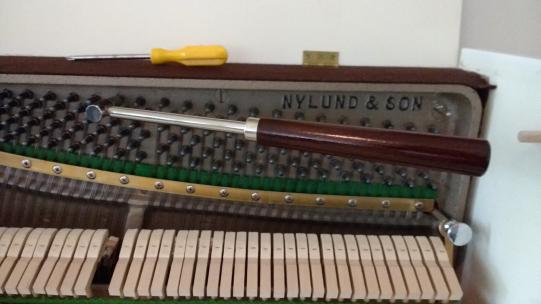 piano-tuning1